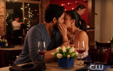 Jane-the-Virgin-2x12-Chapter-Thirty-Four-Spoilers-Is-Jane-Ready-To-Do-The-Deed-With-Hottie-Professor-500x318