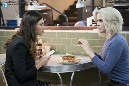 iZombie-Episode-2-16-Pour-Some-Sugar-Zombie-Promotional-Photos-izombie-39387167-595-397