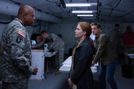 arrival-movie-amy-adams-jeremy-renner-forest-whitaker-600x400